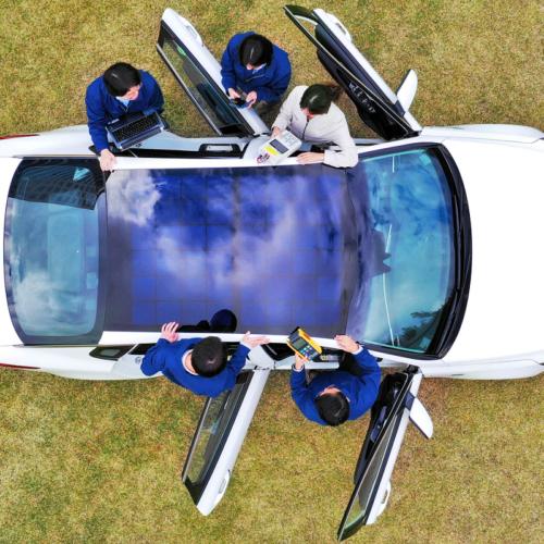Hyundai vil oplade biler med solceller